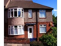 Sunny Three Bed Upper Flat with Garden