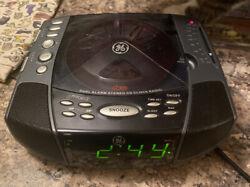 General Electric Dual Alarm Clock Stereo w/CD player & AM/FM Radio Model 7-4897A
