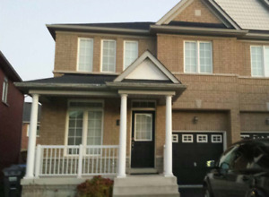 Semi Deatached House for lease