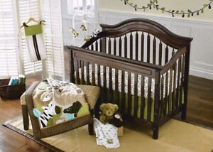 Crib bedding - Cuddle time Safari