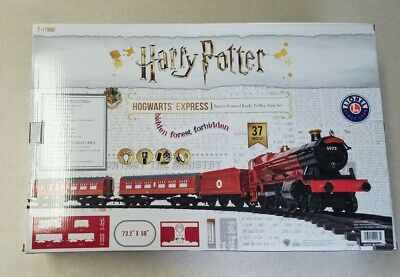 """Lionel RC Harry Potter Hogwarts Express I Train Ready-to-Play Set Track 50"""" x 7"""