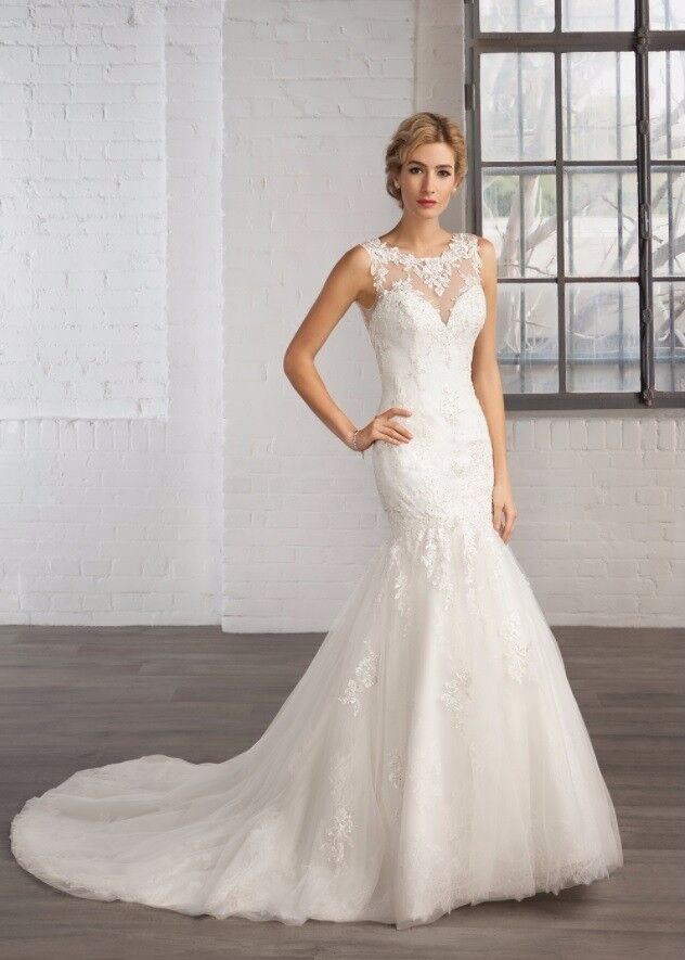 Cosmobella 7750 Size 8 With Hoop Skirt And Matching Headpiece
