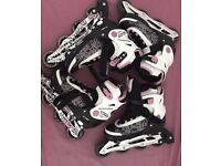 2 pairs of Girls skates
