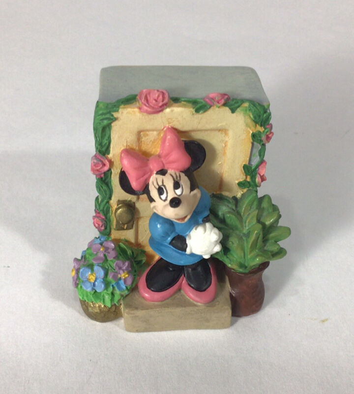 Minnie Mouse Figurine The Disney Magic Thimble Collection by Lenox