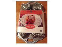 Nordic Ware Heart Cakelet Baking Pan RRP £40 **NEW**