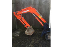 Man and machine digger hire