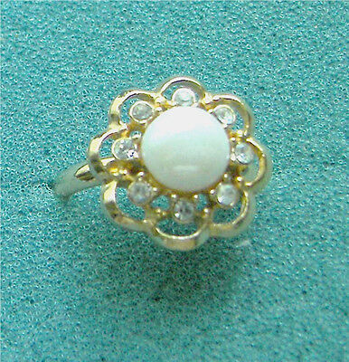 "Gold Tone ""NEW LUSTRE""  Ring - Sarah Coventry Jewelry - Sara Cov - Vtg"