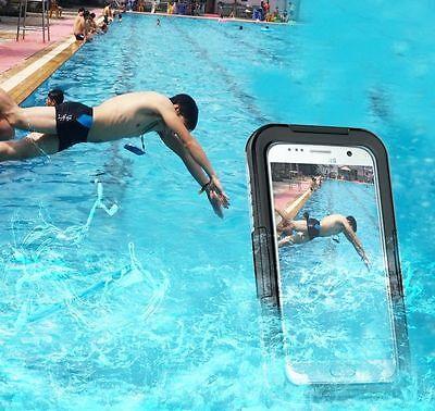 Für alle, die sich auch im Pool nicht von ihrem Handy trennen können: Das Unterwasser-Case. (© sotas-smart)