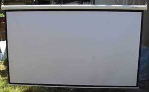 OVERHEAD PROJECTOR / HOME THEATRE SCREEN size 2.4 m x 1.4 m Balaclava Port Phillip Preview