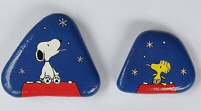 Hand Painted Rock Stone - Set Snoopy and Woodstock eating Snowflakes By K-ROCKS Hand Painted Snowflake