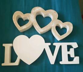 2 Love/ romantic hearts plaques.