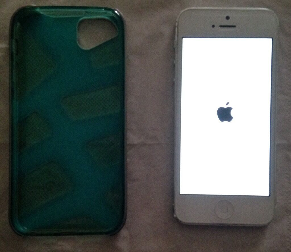 iPhone 5 32GB in White, Fully Unlocked to all networks 3G/4G, includes tough protective casein Bolton, ManchesterGumtree - FREE DELIVERY A used iPhone 5 32GB fully unlocked to all networks 3G/4G in White. Very good condition few minor scratches. Not boxed, with charger only. I will accept £159 0r a very near reasonable offer. Accepted Payment Cash / Online Bank Transfer...