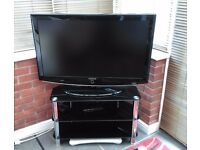 "Samsung 40"" TV & Philips Freeview box"