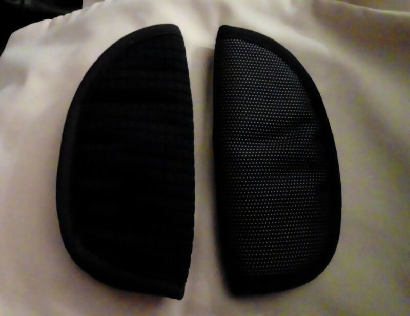 MAXI COSI  SHOULDER PADS -fully Washed In antibacterial wash odd ones both black