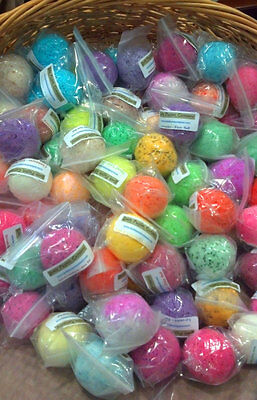 STOCKING STUFFERS - 15 Extra Large Handmade All Natural Bath Bomb Fizzys - Y