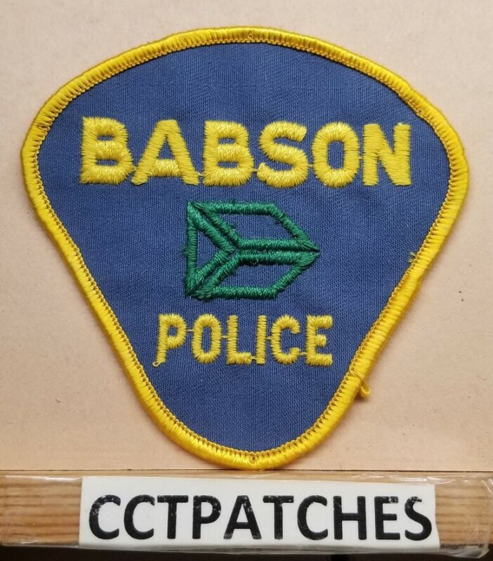 BABSON, MASSACHUSETTS POLICE SHOULDER PATCH MA