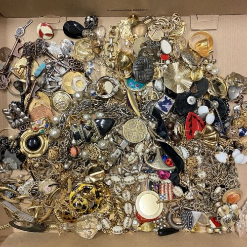 Vintage Lot of Jewelry & Misc. Junk Drawer Craft Parts Repurpose Art Harvest