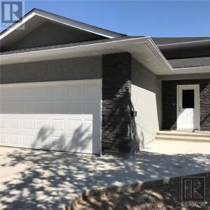851 22ND ST Brandon, Manitoba