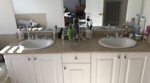 Bathroom Laminate Countertop with Double Sinks/Faucets