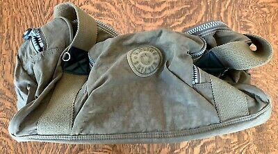 Kipling Olive Green Small Duffle Bag. Gently used. Excellent Condition!