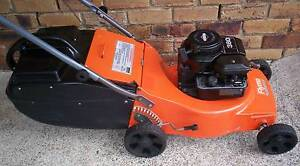 BRIGGS STRATTON 4 STROKE,SERVICED LAWN MOWER.CATCHER! Runcorn Brisbane South West Preview