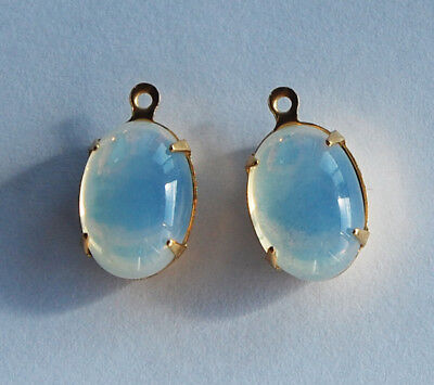 ( VINTAGE ANTIQUE GLASS OVAL PENDANT BEADS • WHITE OPAL • 14x10mm • OPALS)