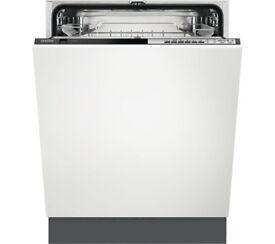 **** FOR SALE **** ZANUSSI Full-size Integrated Dishwasher