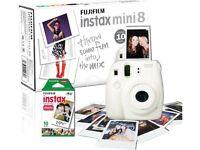 FUJIFILM Instax Mini 8 Instant Camera & 10 Shot Bundle White Auto focus BRAND NEW INCLUDING BOX