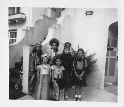 Vtg Photo LITTLE KIDS Boys Girls HOMEMADE HALLOWEEN COSTUMES TRICK OR TREAT S27 - Home Made Halloween Treats
