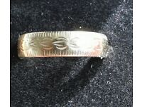 Vintage 9ct gold wedding band
