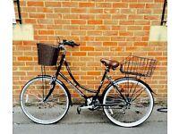Women's Dutch-style classique bike