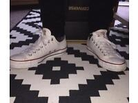 Men's size 9 converse hardly worn