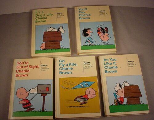 Vintage Peanuts Gang World of Charlie Brown 9 double Books Book set 1970 Mattel