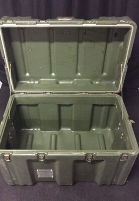 Hardigg 34x22x21 Shipping Container Hard Case Waterproof Military Grade Hinged