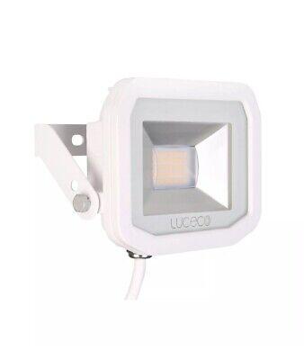LUCECO's 15w(200w) IP65 Garden /security Light outdoor/ Floodlight 3k Warm LED
