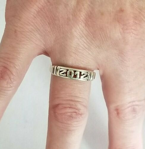 """Vintage Sterling Silver Cut Out Year """"2012"""" Band Ring - Sz 8.25"""