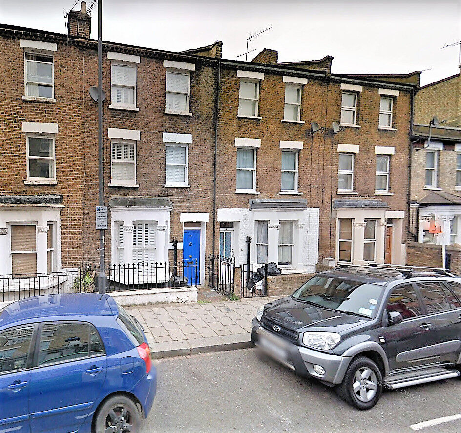 Ideal for sharers, newly refurbished five bedroom flat within 7 mins walk to Hammersmith station