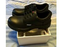 Brand new size 8 safety boots shoes in box