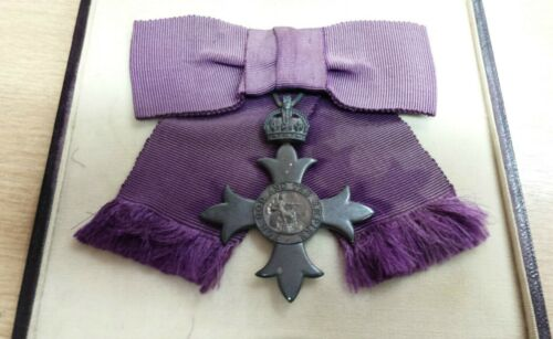 MBE Badge for Lady Civil Most Excellent Order of the British Empire Badge + BOX