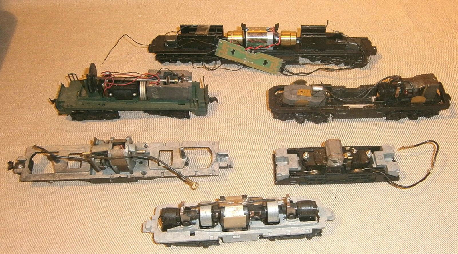 Lot Of 6 Vintage HO Scale Train Chassis Frames With Motors #2