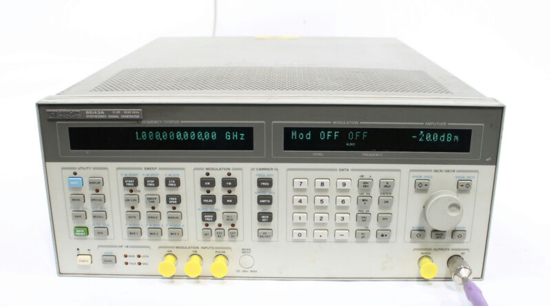 HP 8643A 0.26 - 1030 MHz Synthesized Signal Generator