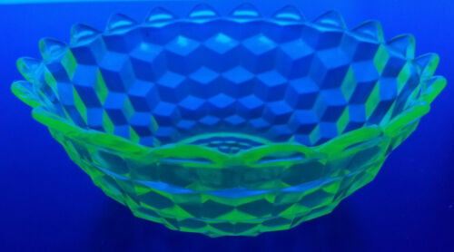 "Jeannette CUBIST Cube Green Vaseline Depression Glass Pointed Edge 7 1/4"" BOWL"