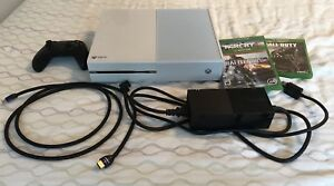 White Xbox One 500GB with HDMI and games