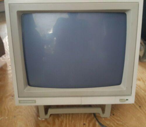 Rare Vintage Commodore PC 75BM13 Monochrome Monitor.  works!