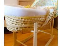 Girls/Boys Unisex Moses Basket with Rocking Stand and fitted sheets