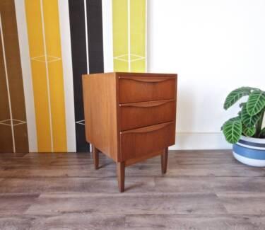 Stylish Retro Danish Parker 3 Drawer Bedside Side Table