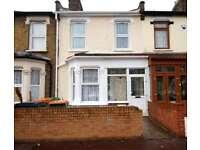 6 bedroom house in Sherrard Road, Manor Park, E12