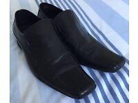 Sole Dress Shoes Size 9 - £5