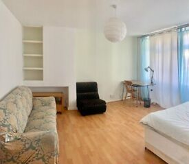BETHNAL GREEN, E2, SPACIOUS 4 BEDROOM HOUSE AVAILABLE END OF FEB