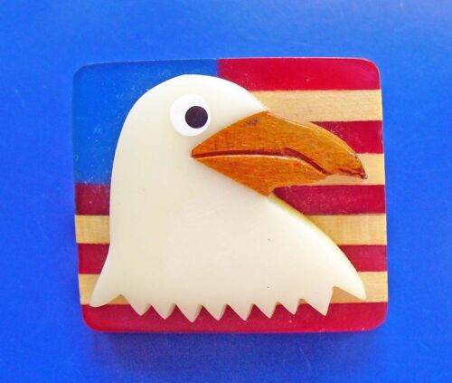 PIN Vintage Patriotic AMERICAN BALD EAGLE over FLAG Hand Carved WOOD & PLASTIC